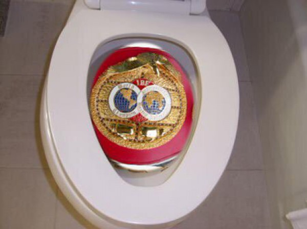Fury-IBF-belt-in-WC